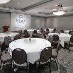 Photo de Delta Hotels by Marriott Edmonton Centre Suites