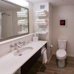 ภาพถ่ายของ Hampton Inn & Suites by Hilton Fredericton