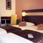 Photo de Comfort Hotel Les Mureaux