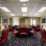 Meeting Room – Rounds Setup