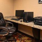 Photo de Holiday Inn Express Hotel & Suites WHEELING