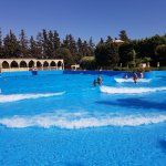 Wave pool in action