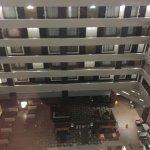 Photo de Embassy Suites by Hilton St. Louis Airport