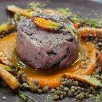 PIERNA DE CORDERO acompañada de puré de zanahoria-jengibre, ensalada de lentejas + menta 🌿 pist