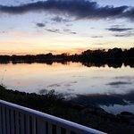 Superbe vue du lac au couché du soleil