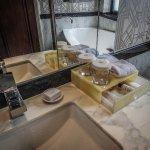 Toiletries box, King super sassy suite