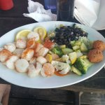scallops with vegetable medley and black beans & rice