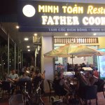 Minh Toan Restaurant Father Cooking照片