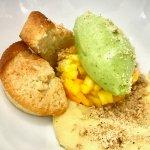Tartare de mangues, sorbet pomme verte-coriandre