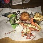 Foto de Burger and Lobster
