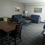 Photo de Holiday Inn Winnipeg - Airport West