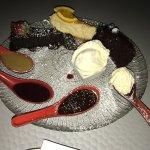 Armageddon Cake Dessert Bar Foto
