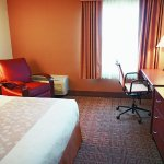 Photo of La Quinta Inn & Suites Stamford / New York City