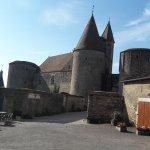 Le village et son château