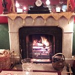 Atholl Arms Hotel - Foyer Lounge fire