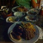 antipasti e piatto unico di carne, riso e patate