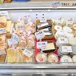 様々な種類の豆腐を揃えています。ぜひ食べ比べてください!