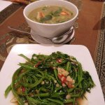 Fried morning glory and green curry chicken