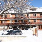 l'hôtel après une chute de neige