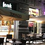 Foto de Cafe la Nuit