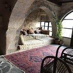 Photo de Takaev Cave Hotel