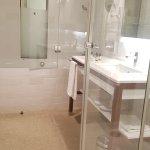 Salle de bain coté baignoire