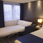 Photo de Holiday Inn Express Edinburgh Airport