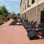Photo de Holiday Inn Express & Suites Huntsville Airport