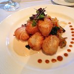 That was the scallops I ordered for my dinner and it was delicious and great presentation too !!