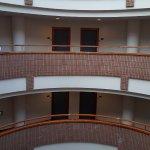 房間採圓弧形設計