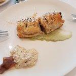 Hojaldre relleno de atún, bacon y pimiento verde