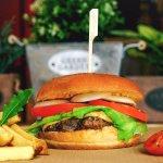 Una hamburguesa casera se nota, carne fresca, sin mas pretensiones.