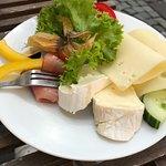 Ein vegetarischer Käseteller wurde bestellt und kam leider mit Fleisch (auch nach Hinweis)