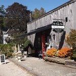 Gift shop at Montrose Bridge
