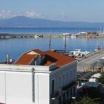 Θέα της παραλίας της Καλαμάτας από το το δωμάτιο του ξενοδοχείου
