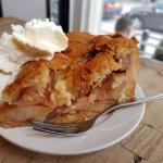 Apple pie with delicious whip cream