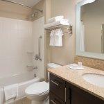 Photo de TownePlace Suites San Diego Carlsbad/Vista