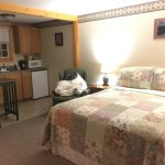 Hanscom's Motel & Cottages resmi