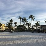 Photo de Outrigger Beach Resort