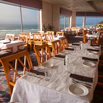 Delicious meals, friendly service and beautiful sunset views!