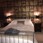 The Library is a beautifully decorated ensuite letting room with coffee making facilities and it