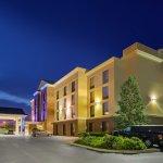 Photo de Holiday Inn Express Hotel & Suites Fort Wayne
