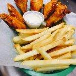 HOT wings Platter