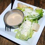 Cuginos: Caesar salad