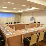 Marco Polo Meeting Room - U-Shape Setup