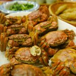 Freshly steamed hairy crabs