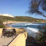 vue sur la plage qui borde la propriété
