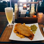 Lunch (Fish & chips with mushy peas, 220B)