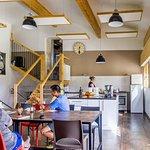 Salle à manger et cuisine en gestion libre