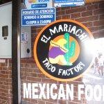 Foto de El Mariachi Taco Factory